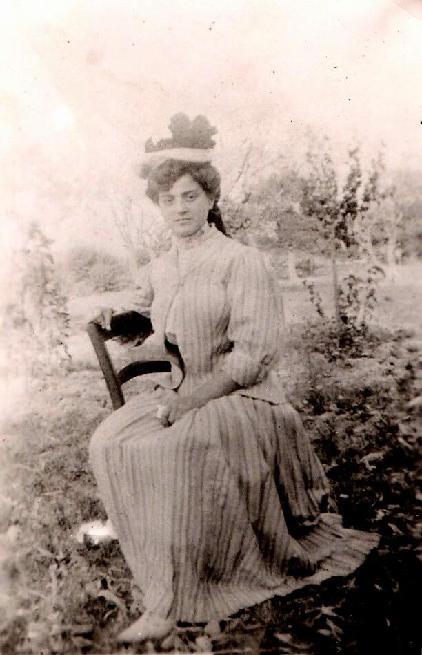 1910 VALENTIN Fernande